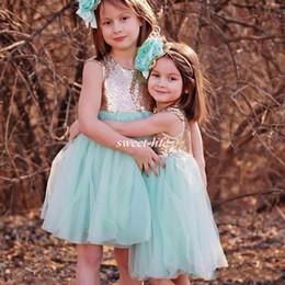 Tops de lantejoulas para o natal on-line-2019 novo boho bonito lantejoulas de ouro top hortelã flor menina vestidos com zíper de volta na altura do joelho bling festa de aniversário dress meninas vestidos de natal