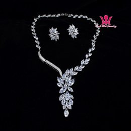 Wholesale Micro Earrings - Wah Mei Leaves Flower Micro Inlay Luxury Cubic Zircon Necklace Sets Bridal Wedding Jewelry Accessories Sets Brand CZ Stone Jewelry Bns0004