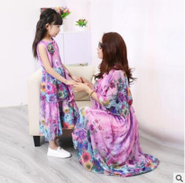 Wholesale Blue Mother S Dresses - Baby Clothes Mother and Daughter Matching Dress 2017 Mom and Baby Girl Clothes Beach Chiffon Dress Lining Floral Bohemian Beach Dress 106