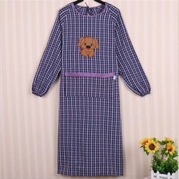 Wholesale Dog Aprons - 2017 Cute Dog Pattern Round Neck Long Sleeved Aprons Grid Apron for Man Woman kitchen apron Household Cleaning Accessories