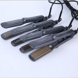 Salon de coiffure nano titane cheveux raides maïs chaud contreplaqué pince à cheveux raides maïs pour être chaud duveteux ? partir de fabricateur
