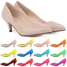 Wholesale Women Sexy Kitten Low Pumps - Sapatos Feminino Fashion Womens Sexy Low Mid Kitten Heels Shoes Pu Patent Leather Pointed Pumps Women US Size 4-11 D0069