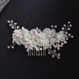 свадебный венок Скидка Новые свадебные свадебные бриллиантовые сплавы Rhinestone Pearls Цветы Расчески для волос Hairbands Tiaras Wreath Headdress Hair Accessories