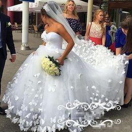 Wholesale Pink Butterflies Pictures - Gorgeous Butterfly 3D-Floral Appliques Wedding Dresses 2017 Long Court Train White Tulle Sweetheart Arabic Dubai Women Bridal Gown Vestidos
