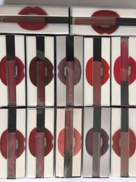 2019 bouteilles de parfum en porcelaine 2017 Hotest Beauté Mat Rouge À Lèvres Liquide Brillant À Lèvres Maquillage Étanche Longue Durée Lipgloss Trophée Femme Icône 16 Couleurs gratuites