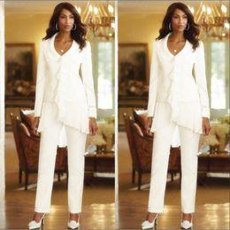 2019 ternos feitos à medida da noiva da mãe Três Peças Marfim Branco 2018 Bainha Elegante Mães Calças Calças Ternos Custom Made Ruffles Mãe Chiffon da Noiva Vestidos Mangas Compridas ternos feitos à medida da noiva da mãe barato