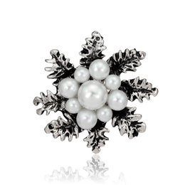Wholesale Middle East Beauty - Newly pearl brooches snowflake brooch female decoration pins festival gift beauty leaf fashion grace brooches
