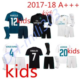 Wholesale Football Shirt Kids Kit - 2017 2018 Real Madrid Kids kit soccer jersey 17 18 Real Madrid Kids set RONALDO BENZEMA ISCO BALE SERGIO RAMOS MORATA ASENSIO Football shirt
