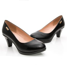 Wholesale Mature Ladies Women - Women casual shoes 6cm Black high heels zapatos mujer pump for Mature women new fashion shoes Office lady Dress shoe women loafers