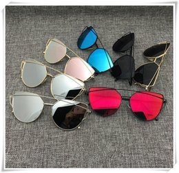 Wholesale Glass Clothes - Ms 2017 fashion sunglasses high quality glasses ladies clothing accessories glasses free shipping