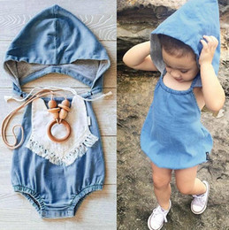 coagulo di cotone Sconti Hot Summer Ins Infant Baby Cotton Faux Denim Jeans Ropmers Kids Hooded Chest Covering Style One-piece Jumpsuits Overalls Baby Climing Clothe
