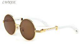 2018 luxe lunettes de soleil en bois de bambou pour hommes cadres vintage  buffle corne lunettes de soleil polarisées plein cadre rond lentilles  claires avec ... a3bfd104aaa5