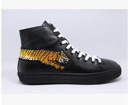 Wholesale Tiger Head Decorations - European style newest designer high top men shoes 2017 fashion lace-up leather shoes tiger head decorations casual shoes