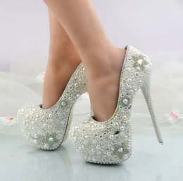 Wholesale Glass Slipper Flat Shoes - New baroque pearls glass slipper shoes bride marriage gown with diamond manual customized wedding shoes women's shoes with high heels