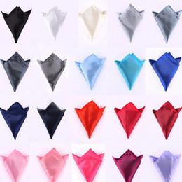 2019 pañuelo para hombre al por mayor Venta al por mayor - los hombres de la moda se adaptan a la toalla de bolsillo de color sólido pañuelos pequeños accesorios del banquete de boda cuadrado pajarita A0722 pañuelo para hombre al por mayor baratos