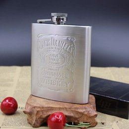 Wholesale Alcohol Wedding - 7 OZ Stainless Steel Flask with Retail Package Pocket Hip Flask Wine Alcohol Flask Liquor Flasks Wedding Gifts Party Favor