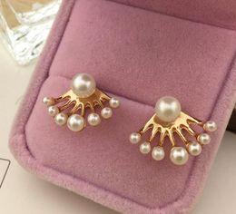 Wholesale Dragons Ear Cuff Stud Earrings - Fashion Korean pearl stud earrings Small Imitation Pearl Earrings Dragon Hand Ear Cuff Ear Stud New 2015 Hot selling