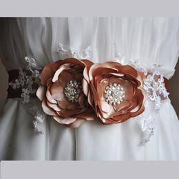 2019 kristallklare rhinestone applikation Hochzeit Schärpen Pink Satin Flower mit Strass und Perlen Spitze Dekoration Länge 175cm