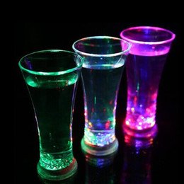 Wholesale Led Spoon - Water Induction Mug LED Light Luminous Cup Originality Fruit Juice Cups Colorful For Bar Party Supplies 6 4jc C R