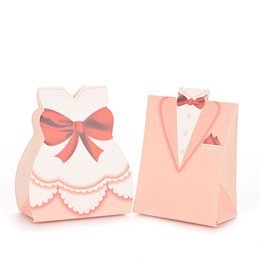 Wholesale Wedding Dress Candy Favor Box - Lovely Pink Bridal Gift Cases Groom Tuxedo Dress Gown Ribbon Wedding Favor Candy Box Free Shipping WA1435