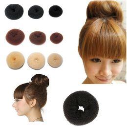 2019 accessori dei capelli all'ingrosso giapponese Capelli Donut Nylon Nero Spugna Taenia Fasce per capelli Donut Donut Hairdisk Quick Disordinato Accessori per acconciature Bun OOA2159