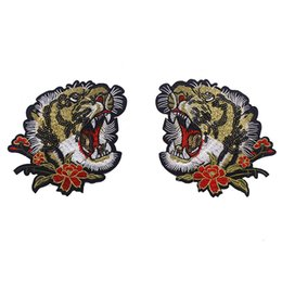 Wholesale Tiger Embroidery Fabric - 1pair Beaded Sequin Tiger Head Embroidery Iron on Applique Patches Lace Fabric Patches Diy Jacket Clothes Accessories TH362