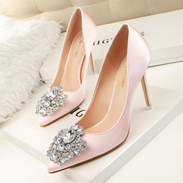 Wholesale Crystal Gold Heels - 2017 pink wedding shoes with crystals beaded pointed toe high heels shoes for wedding bridesmaid evening party prom