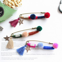 Wholesale Korean Hair Brooches - Korean fashion retro color yarn winding fringed hair ball color Brooch corsage pins accessories South Korea version