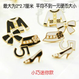 Wholesale Mini Bow Tie - Wholesale- Mini hat cap clothes high heel shoes digital letter 5 bow tie brooch female black orwhite pearls pin CC collar brooch accessory