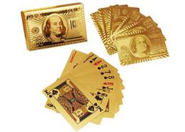 Горячий прочный водонепроницаемый пластиковые игральные карты 24 к золотой фольги покрытием игральные карты покер настольные игры рождественские подарки доллар США евро стиль cheap plastic play cards от Поставщики пластиковые карты игры