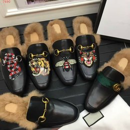 Wholesale Plush Slippers - Top quality Men spring Fall fur Scuffs fashion Animal prints lazy Loafers rubber genuine leather flat Moccasins snake bee tiger lion slipper