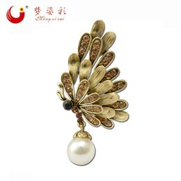 Wholesale Vintage Butterfly Pins Brooches - Wholesale- MZC New Arrival Vintage Gold Broach Pins Femal Broches Simulated Pearl Rhinestone Butterfly Brooch For Women Hijab Pins X1731