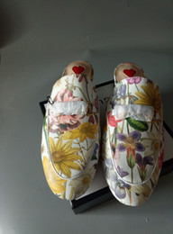 Leder vamp online-2017 große Namenschuhe des europäischen Stils, Sandalen, reines Leder, Leder, Mode, Mode, Qualität, Seiko, Blumenfarbe, Muster, Vamp, Herz sha
