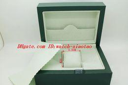 Cajas de madera para hombres online-Reloj de lujo 2018 Cajas Hombre Para Reloj Caja Verde Original Interior de madera Exterior Mujer Hombre Relojes Cajas Papeles