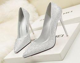 Mujer Zapatos azul marfil 10cm inferior tacones altos redonda dedo del pie Plataforma Tobillo Strap bombas de satén Mujer de la boda zapatos nupciales de baile zapatos de cristal desde fabricantes