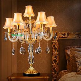 Bougeoirs de mariage italiens Grandes lampes de table à bougies Grand candélabre Gradient Villa en cristal salon chambre bougie cristal lumière de table ? partir de fabricateur
