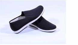 Vecchi panni online-2017 nuovo Old Peking nero panno scarpe uomo mocassini rotondi scarpe casual in cotone panno maschio scarpe kung fu appartamenti delle donne di moda