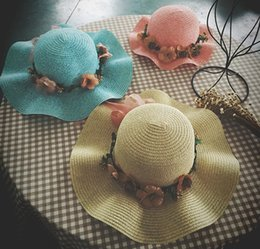 Wholesale Ladies Bow Hats - Mother and daughter beach caps flowers bows wide brim hats sun shade off girls crochet straw hats 2017 hot sell lady sun cap T2302