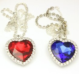 Wholesale Red Titanic - Crystal Chain The Heart Of The Ocean Necklace Luxurious Heart Diamond Pendants Titanic Necklaces for Women Movie Satement Jewelry Designs