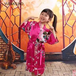 Argentina Al por mayor-niños traje de raso niños Kimono túnicas dama de honor niña de las flores vestido de seda albornoz de los niños camisón kimono pavo real túnica Suministro