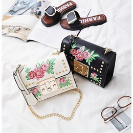 Wholesale Pink Rose Handbag - 2018 Hot rivet crossbody bags for girls 2017 ladies leather handbags designer rose embroidered bag fashion women chain bags