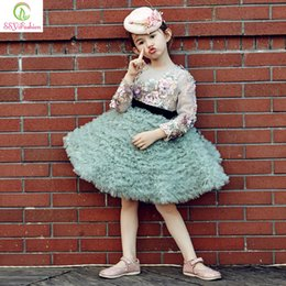 Wholesale Long Sleeved Dresses For Prom - 2017 Winter New Flower Girls Dresses for Wedding High-grade Long Sleeved Appliques Pageant Girls Dresses Embroidery Party Prom Ball Gowns