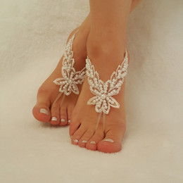 Wholesale cheap custom sandals - Cheap Lace Beach Wedding Barefoot Sandals 2017 Buttefly Pearls Anklet Chain Custom Made Bridal Bridesmaid Jewelry Foot