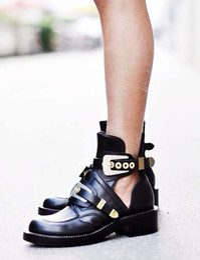 sandalia de arranque plana Rebajas Venta caliente 2017 Moda Metal Recortes Sandalias Slip-on Lady Botines de punta redonda Mujer Martin Botas Zapatos casuales