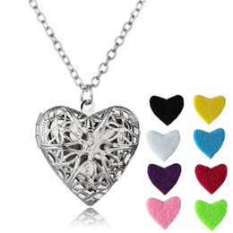 Wholesale Crystal Aromatherapy - Open heart Stainless Steel Heart Locket Essential DIY Oil Diffuser Necklace Perfume Aromatherapy Pendant Necklace With 8 Pads LN010