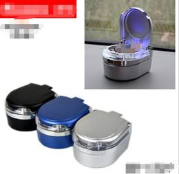 2019 plastica usata Unico moderno auto a LED luce automatica Trash posacenere portatile in plastica portasigarette caso 3 colori uso domestico strumento di fumare sconti plastica usata
