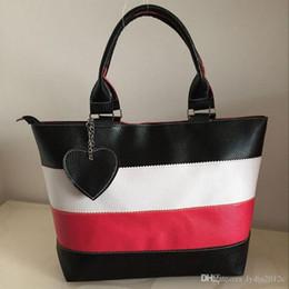 Wholesale Women Mix Handbags - 2017 Women PU Leather Tote Handbag Hot Sale Large Capacity Heart Pattern Mixed Colored Fashion Shoulder Bags Messenge Bag