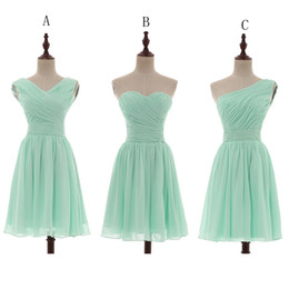 Wholesale Wedding Dresses Lace Up - Pleated Short Chiffon Country Bridesmaid Dresses Mint Green 2018 Knee Length Wedding Bridesmaid Dress 100% Real Pictures