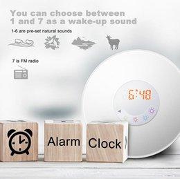 Просыпайтесь ночник DC5V цифровой светодиодный будильник FM-радио RGB Белый регулируемый цвет меняется сенсорный дисплей круговой Современный Кровать свет от