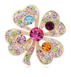 Wholesale Clover Brooch Pin - Wholesale- Clover Pin 2016 Fashion Rhinestone Adorn Article Romantic Clovers Personality Lady Pectoral Flower Brooch for Women